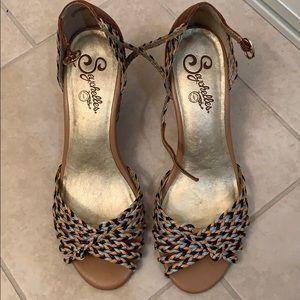 Seychelles sandals/heels